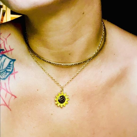 Jewelry - Gold Rhinestone Chain Sunflower Choker